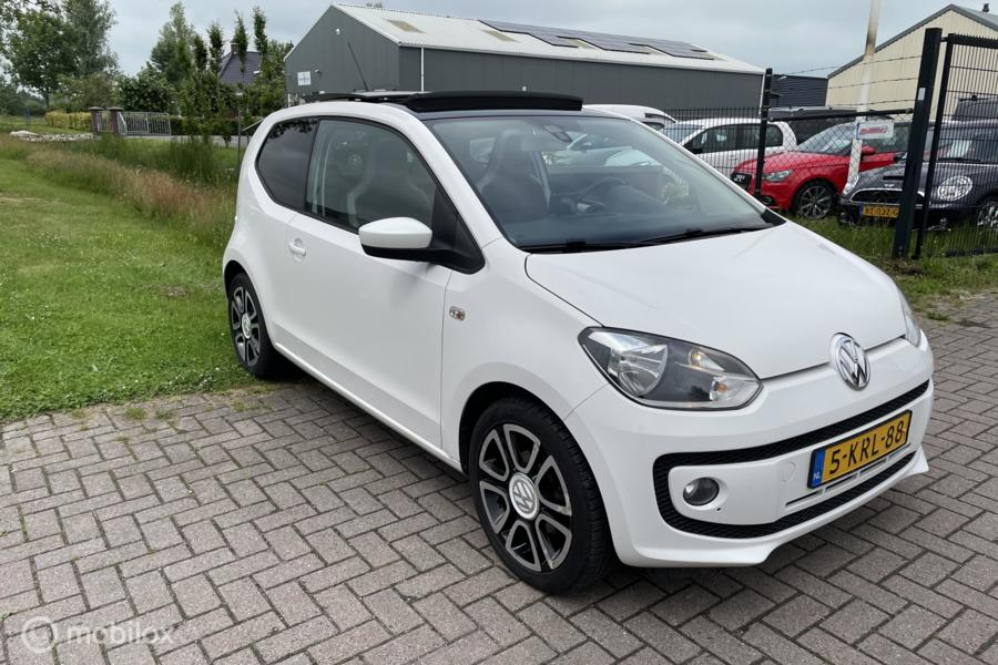 Volkswagen Up! 1.0 high up! BlueMotion Panorama Schuifdak, Cruise Airco PDC