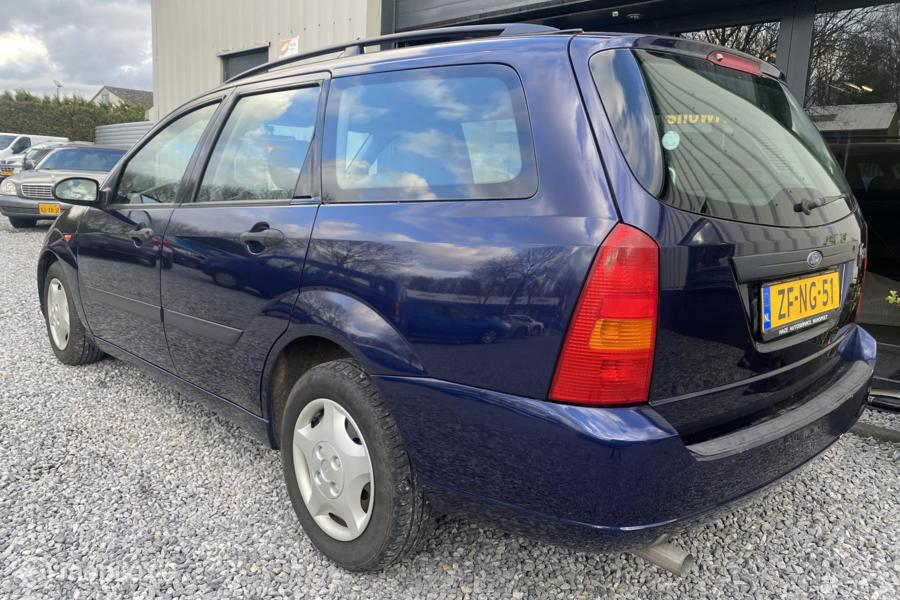 Ford Focus Wagon 1.8-16V Ambiente