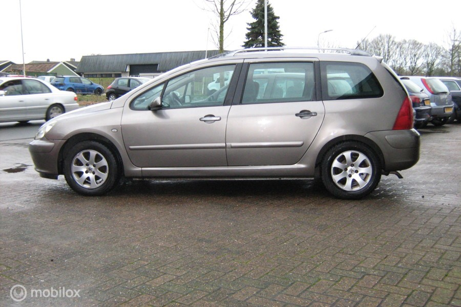 Peugeot 307 SW 1.6 16V Kan ook als 7 Persoons auto ingericht.