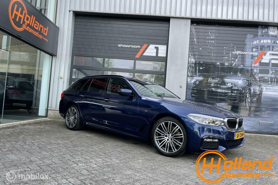 BMW 5-serie Touring 530i High Execu.  m pack  pano!   harman card.