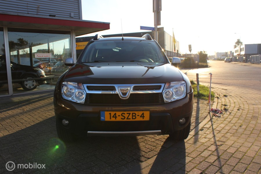 Dacia Duster 1.6 Lauréate 2wd nw apk distributie