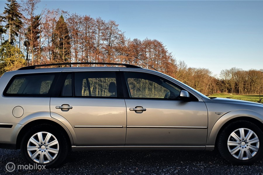 Ford Mondeo Wagon 1.8-16V First Edition, Airco, Cruise.