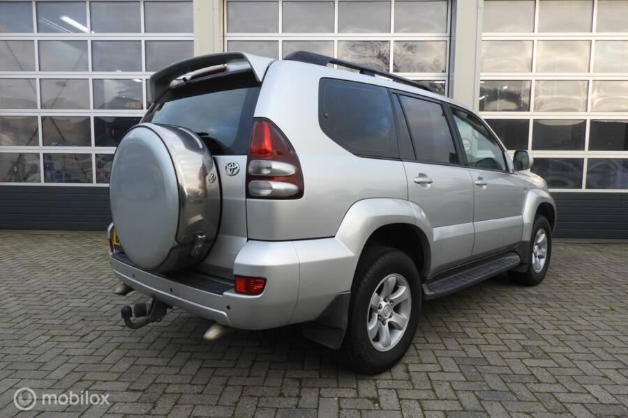 Toyota Land Cruiser 3.0 D-4D VX Window Van Youngtimer