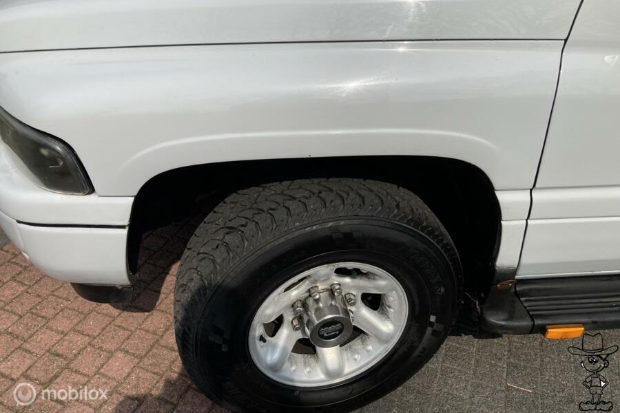 Dodge RAM 2500  pick-up CUMMINS diesel 2wd 12v