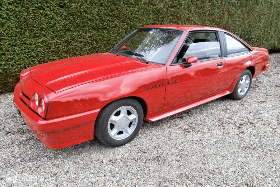 Opel Manta 20 E GT/E 1979 rood metallic , apk, nieuwe banden