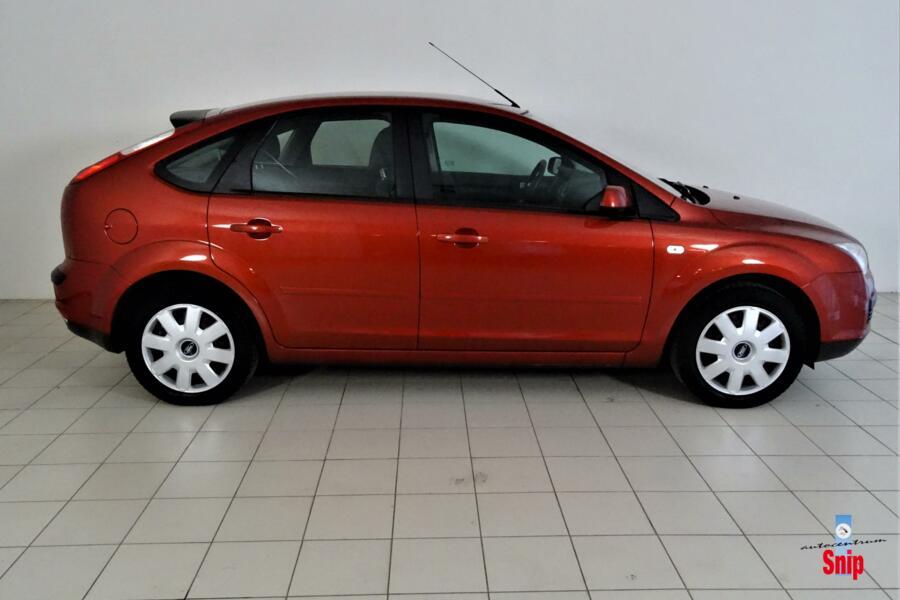 Ford Focus 1.6-16V Ambiente  39.000 km!!