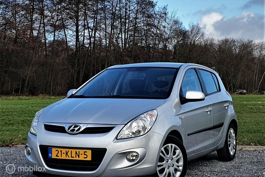 Hyundai i20 1.2i DynamicVersion, Airco, Trekhaak, Nwe APK.