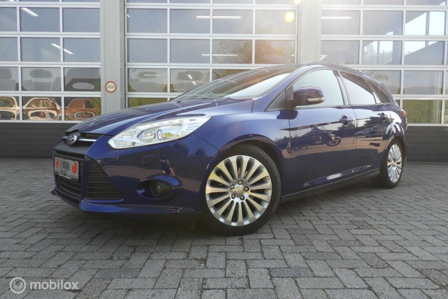 Ford Focus Wagon 1.6 EcoBoost Titanium ,Xenon , stoelverwarm