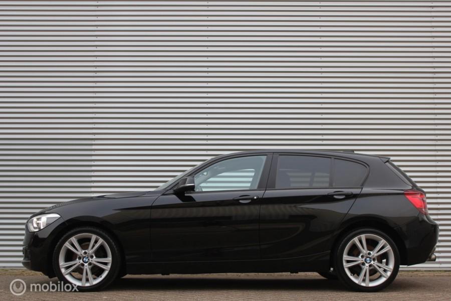 BMW 1-serie 116i Business+ /XENON/LED/NAVI/BLUETOOTH/18'' LMV/PDC!