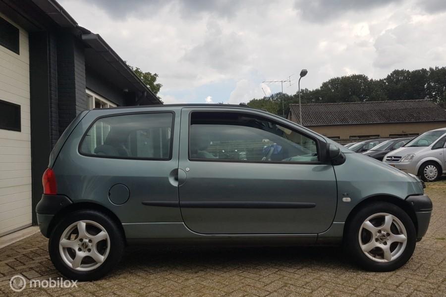 Renault Twingo 1.2 autom, airco,cruise, panoschuif, trekhaak