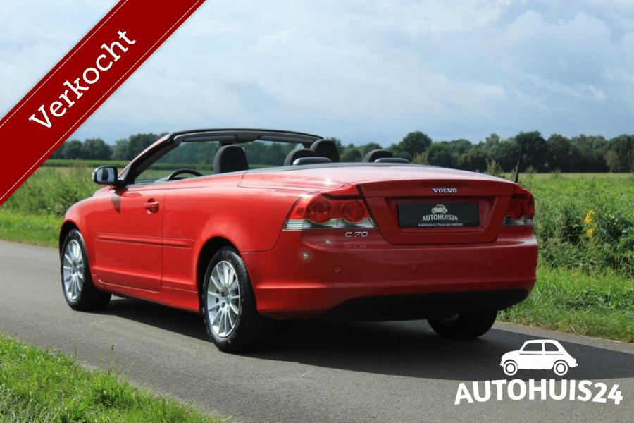 Volvo C70 2.4 Kinetic #PassionRed #Verkocht!