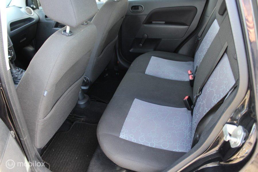 Ford Fiesta 1.3-8V Style airco 5d nw apk