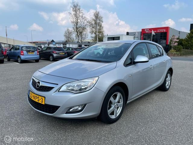 Opel Astra 1.4 Selection in super nette staat.
