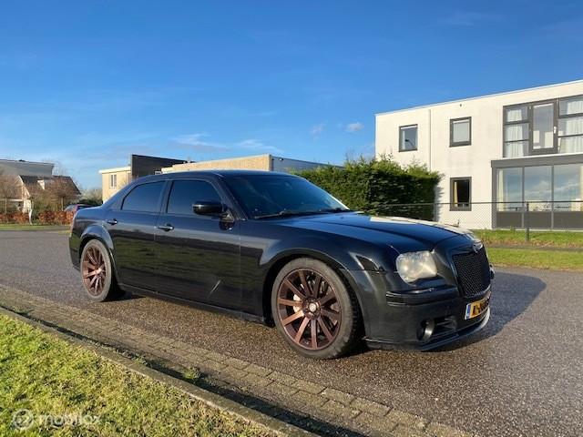 Chrysler 300C 6.1 V8 HEMI SRT-8