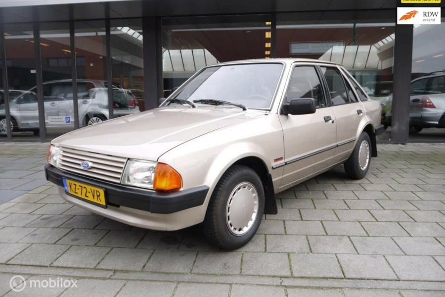 Ford Escort - 1.1 Laser 41.000 km / CONCOURS STAAT?>