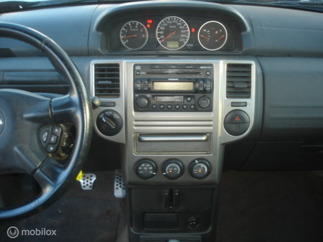 Nissan X-Trail 2.2 DCI  4X4  6 bak Airco