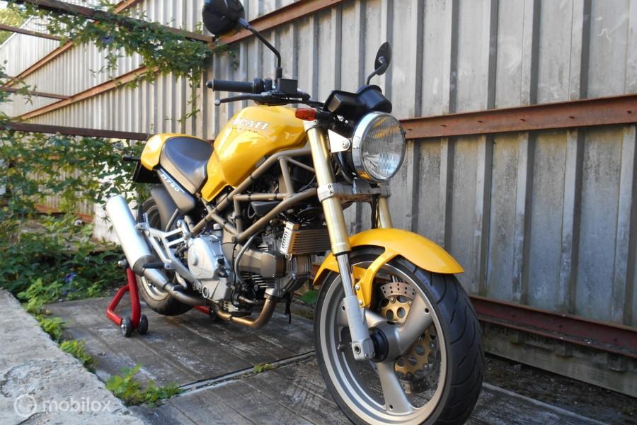 Ducati Monster 750 (M750) In nieuwstaat, 29.200 km !