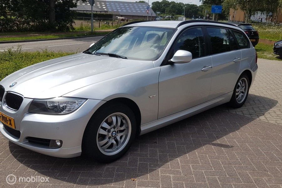 BMW 3-serie Touring 318i Luxury Line/NAVIGATIE/CLIMAT-CRUISE