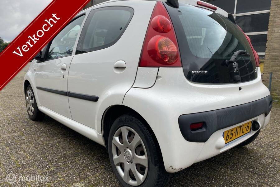 Peugeot 107 1.0-12V Urban Move 5 deurs  Airco / Elec. pakket