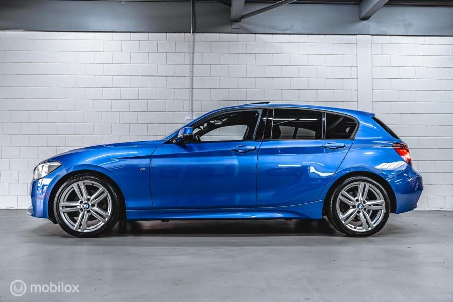 BMW 1-serie 125i M-PAKKET AUT. OPENDAK CAMERA  LEER MEMORY XENON NAVI STOELVER. CRUISE LEER BLEUTOOTH