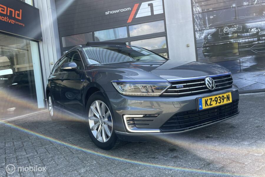 Volkswagen Passat Variant 1.4 TSI GTE Highl.| pano | virtual dash.!