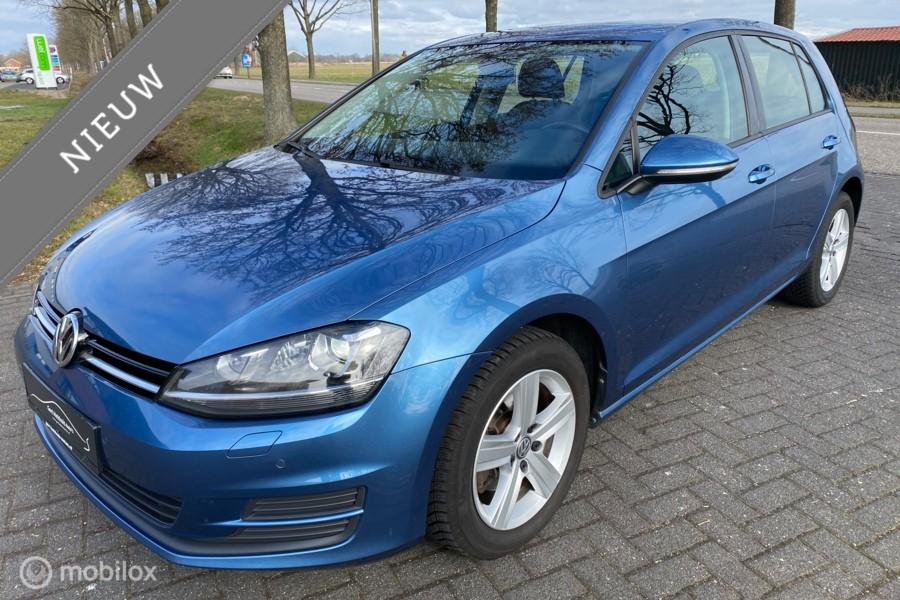 Volkswagen Golf 1.2 TSI Highline / Xenon / Sportstoelen /  PDC  /