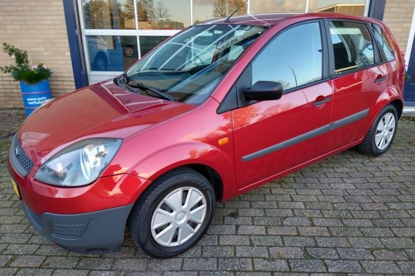 Ford Fiesta 1.3-8V Style 5dr Airco!!