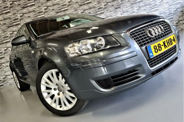 Audi A3  1.6 Attraction Pro Line Business*Schuifdak*Nwe APK!