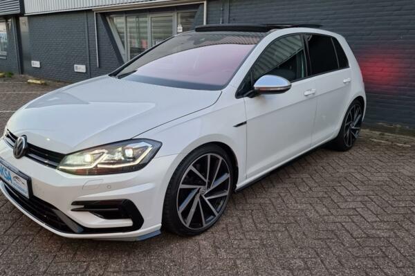 Volkswagen Golf 2.0 TSI 4Motion R | AKRAPOVIC | Pano | DSG