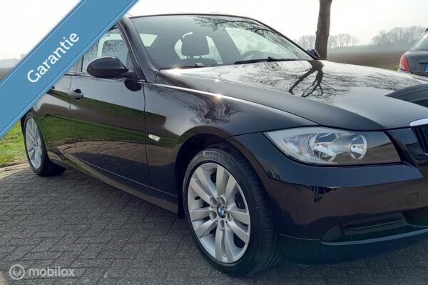 BMW 3-serie 318i E90 Sedan Youngtimer!