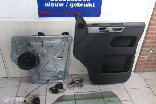 Rechter deurraam, mechaniek, greep,slot + deurpaneel  VW T5