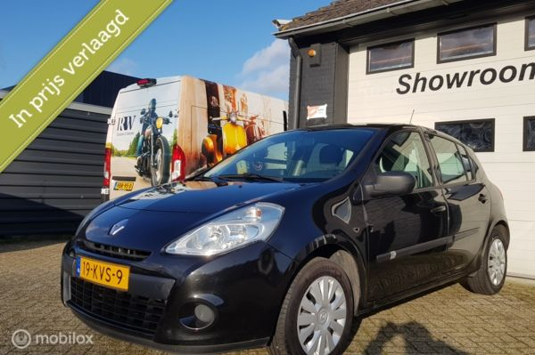 Renault Clio 1.2 TCe Expression airco, navi, nieuwe APK!