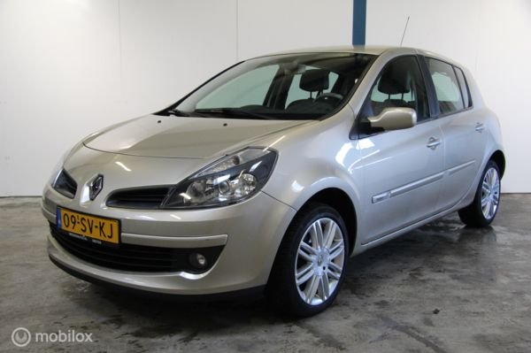Renault Clio 1.6-16V Initiale [5-drs/Automaat]