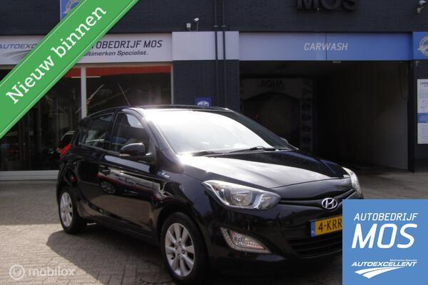 Hyundai i20 1.2i i-Deal airco/cruise controle