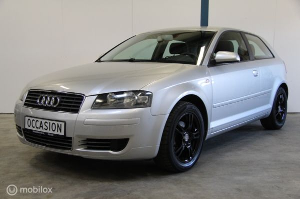 Audi A3  1.6 Attraction CLIMATE CONTROL