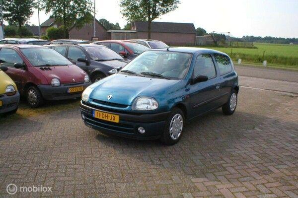 Renault Clio - 1.6 RT AUTOMAAT