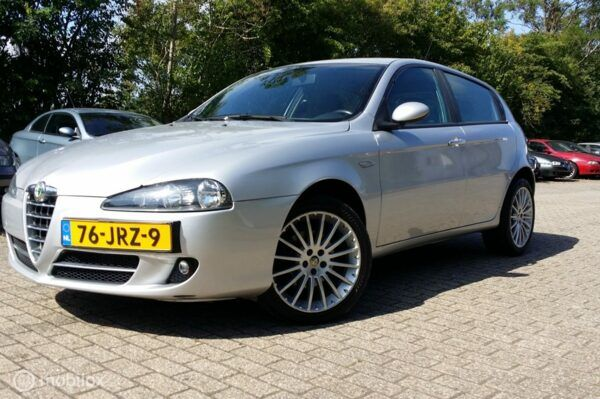 Alfa Romeo 147 - 1.9 JTD ALLE OPTIES/ TOP AUTO