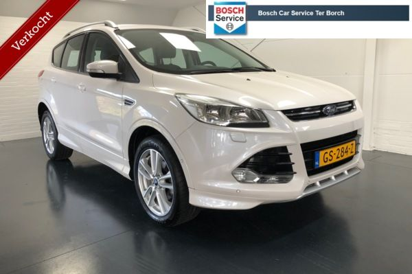 Ford Kuga 1.5 Titanium Styling Pack 150pk,Trekhaak,Parelmoer