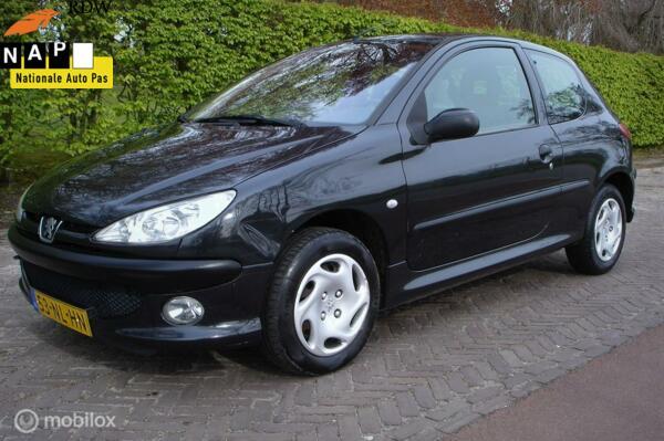 Peugeot 206 1.4 X-line (Bj 2003) Airco/A.P.K. 04-2022'