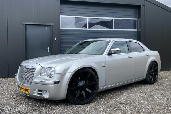 Chrysler 300C 5.7 V8 HEMI |GERESERVEERD