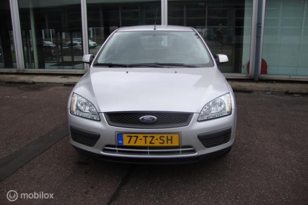 Ford Focus 1.4-16V Trend AIRCO + CRUISE CONTROL