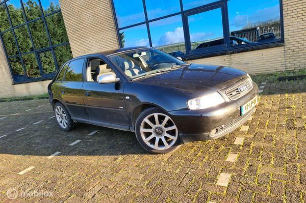 Audi A3 1.6 Attraction 4 deuren S line xenon ,nieuwe Apk Nap