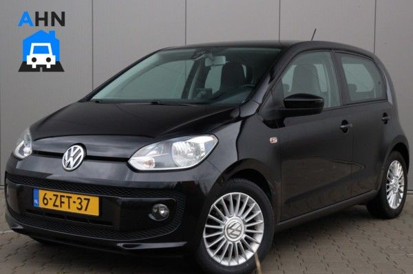 Volkswagen High UP! / Fender / Navigatie / Cruise / PDC!