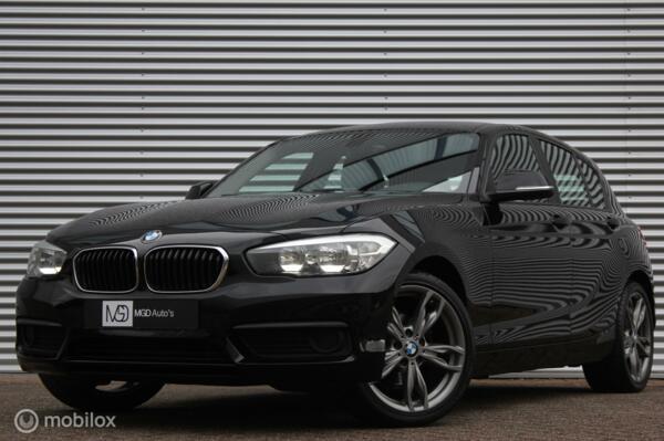 BMW 1-serie 118i Sport /LED/AIRCO/STOELVERW./BLUETOOTH/APPS/18'' VELGEN/PDC!