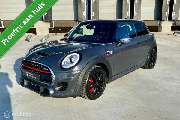 MINI Cooper S John Cooper Works / 231PK / NAVI / YOURS / LED