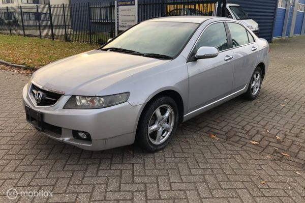 Honda Accord 2.4i Executive 190pk automaat 81.000 km RHD voor onderdelen / only for parts
