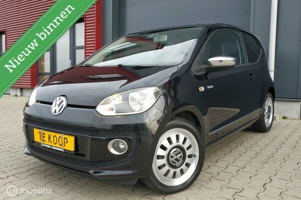 Volkswagen Up! BLACK UP! / 75PK / Cruise C. / Airco / Navi