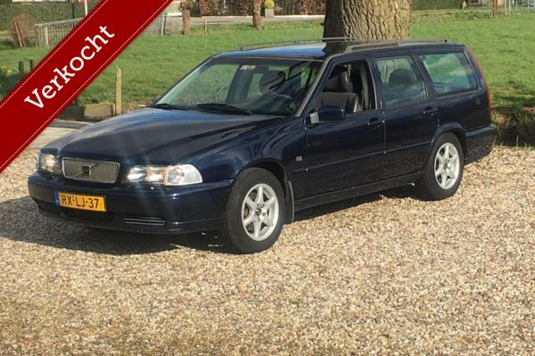 Volvo V70 2.5 Europa 7-persoons