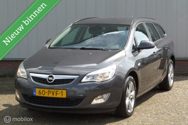 Opel Astra Sports Tourer 1.4 Edition [ Navi, AC, PDC V+A, Cruise ]