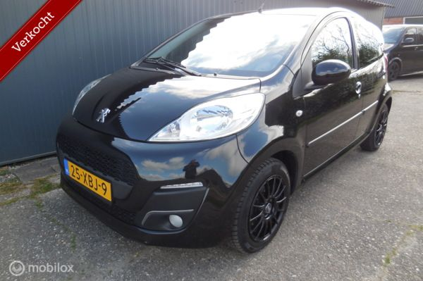 Peugeot 107 1.0 Active Airco / sport / led verlichting!